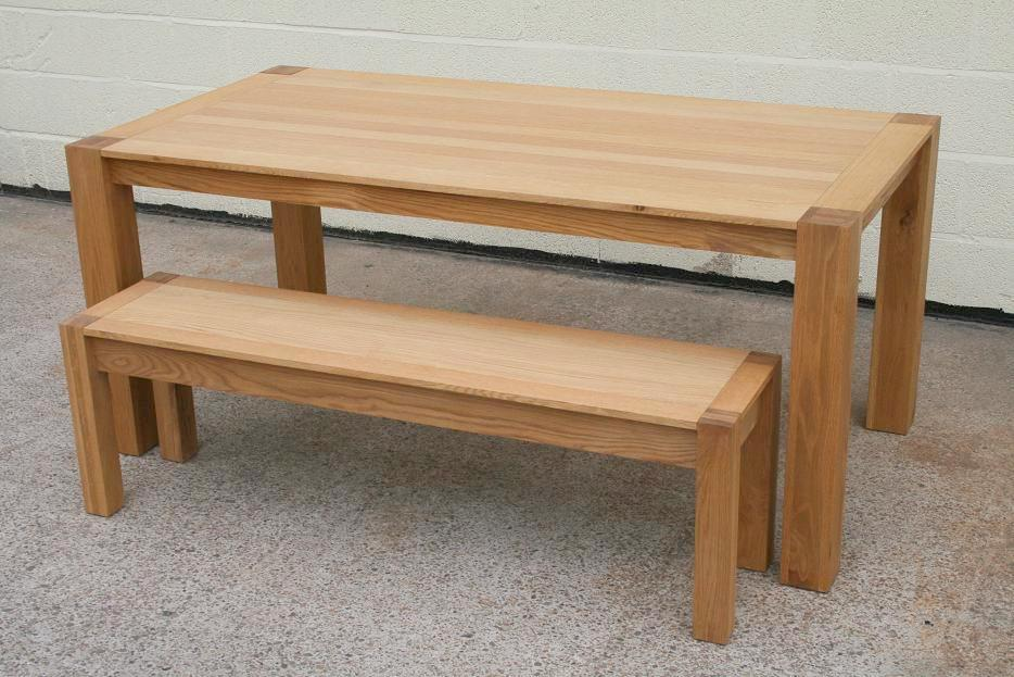 Solid oak bench oak dining and kitchen oak benches for Kitchen table sets with bench and chairs