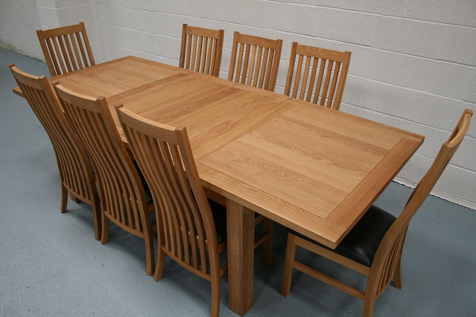 Lichfield extending dining tables 8 seater oak dining for Oak dining table set
