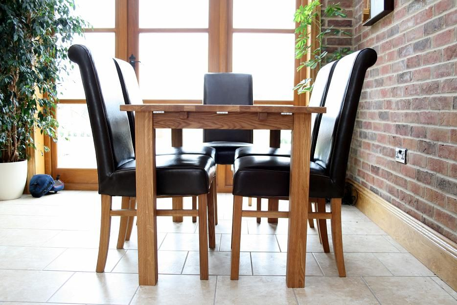 Fabulous Buy this table for £199. Solid European oak 4 - 6 seater 934 x 623 · 116 kB · jpeg