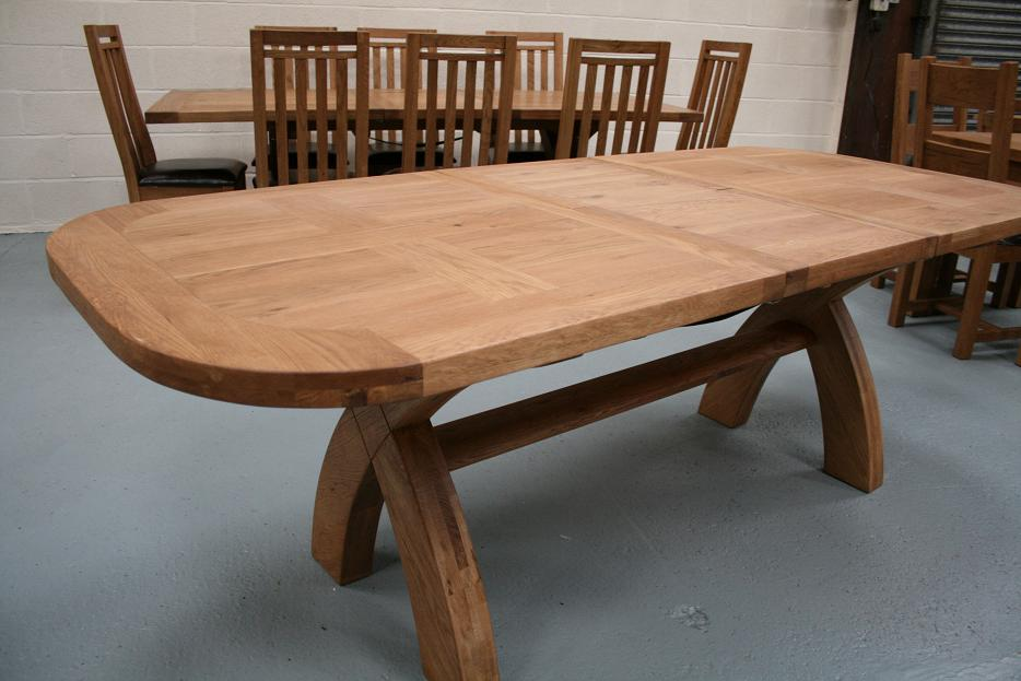 Country oak furniture rustic oak dining table furniture for Solid oak dining table