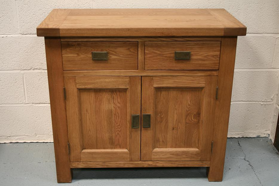 Oak sideboard solid oak sideboards oak dresser units for Sideboard 1m